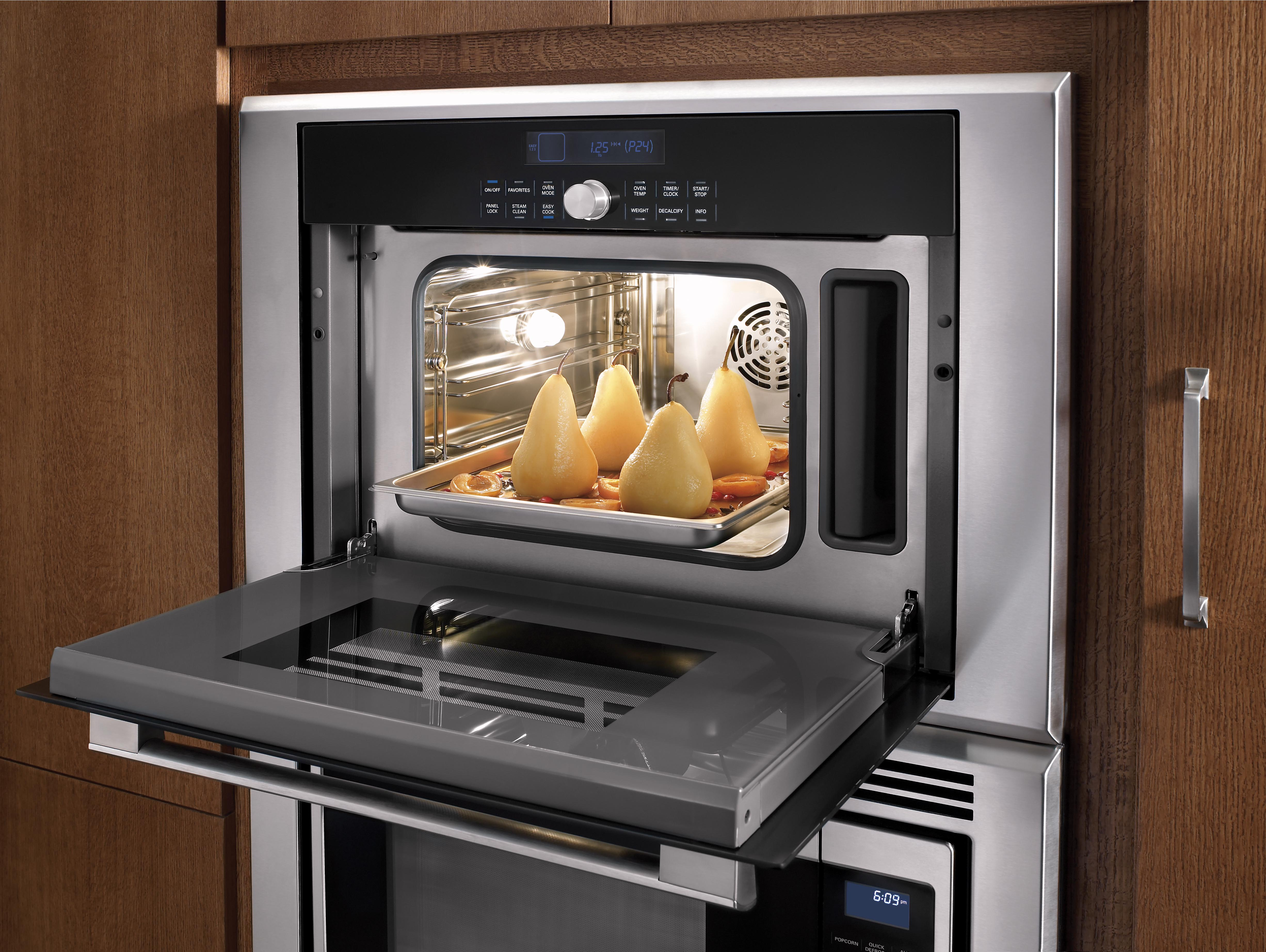 Masterpiece Series Steam and Convection Oven Interior